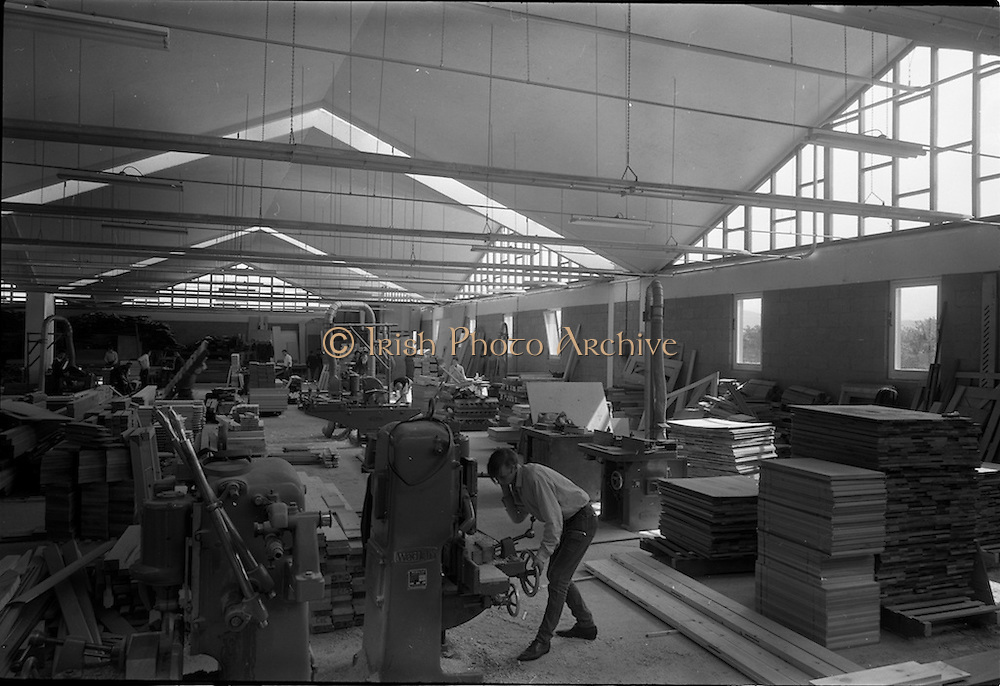 04/06/1964<br /> 06/04/1964<br /> 04 June 1964<br /> Sisk's new offices and premises at Naas Road, Clondalkin, Dublin. Interior view of the workshop and machinery.