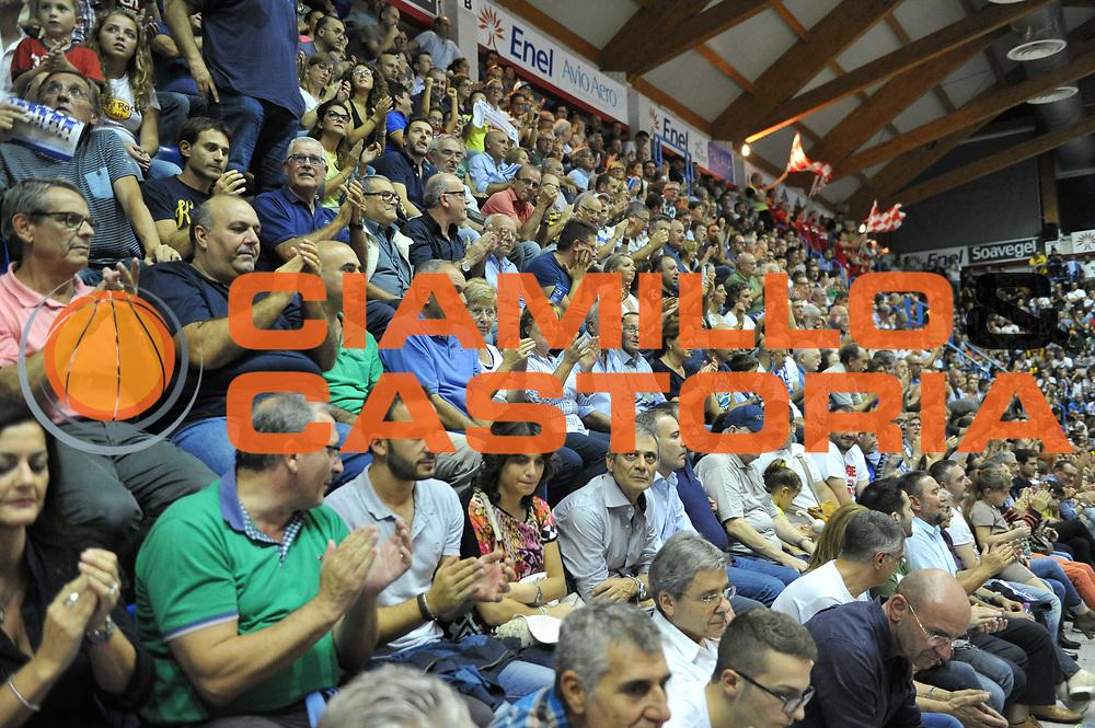 DESCRIZIONE : Brindisi Lega A 2014-15 Enel Brindisi  Consultinvest Pesaro<br /> GIOCATORE : Tifosi<br /> CATEGORIA :  Tifosi<br /> SQUADRA : Enel Brindisi<br /> EVENTO : Campionato Lega A 2014-15 GARA : Enel Brindisi Consultinvest Pesaro DATA : 12/10/2014 <br /> SPORT : Pallacanestro <br /> AUTORE : Agenzia Ciamillo-Castoria/V.Tasco<br /> Galleria : Lega Basket A 2014-2015 Fotonotizia : Brindisi Lega A 2014-15 Enel Brindisi Consultinvest Pesaro  <br /> Predefinita :