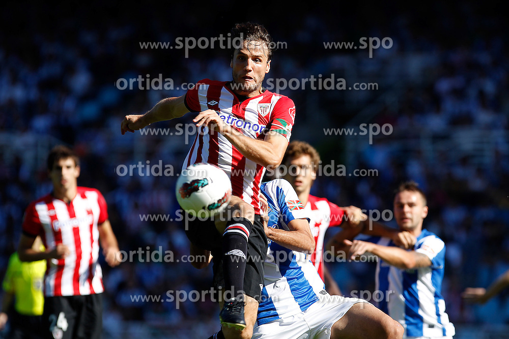 02.10.2011, Stadion Anoeta, San Sebastian Donostia, ESP, Primera Division, Real Sociedad vs Athletic Bilbao, im Bild Athletic de Bilbao's Carlos Gurpegi // during Primera Division football match between Real Sociedad and Athletic Bilbao at Anoeta stadium in San Sebastian Donostia, Spain on 2/10/2011. EXPA Pictures © 2011, PhotoCredit: EXPA/ Alterphoto/ Acero +++++ ATTENTION - OUT OF SPAIN/(ESP) +++++