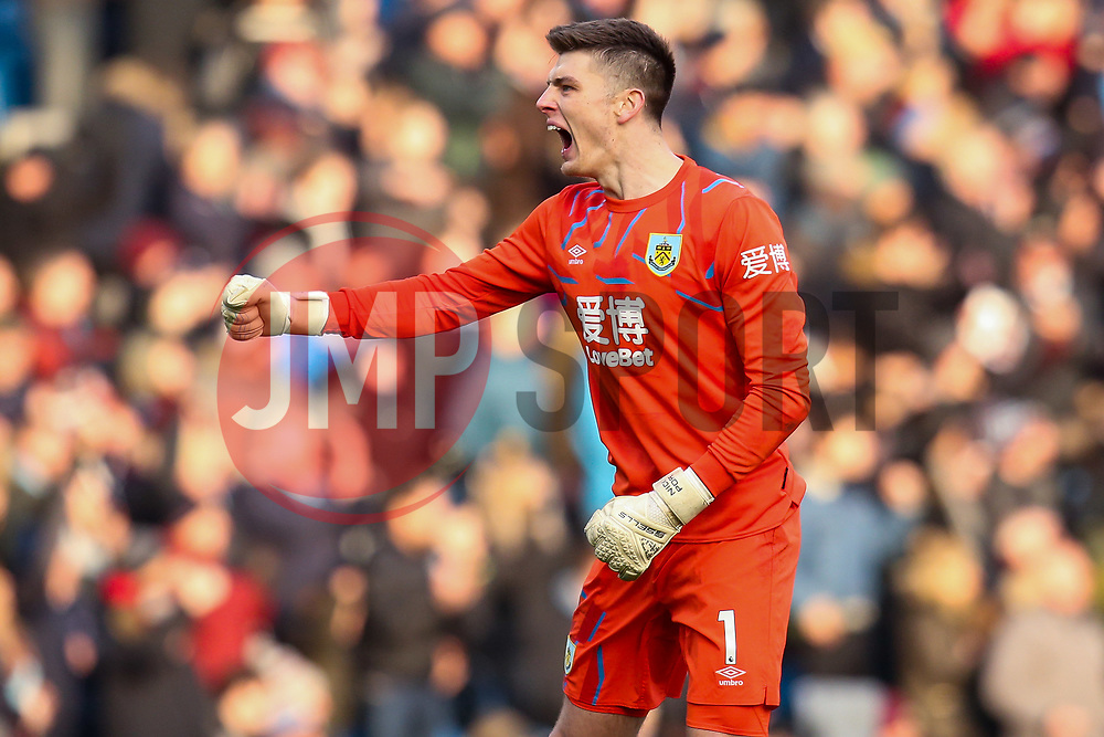 Nick Pope of Burnley celebrates teammate Chris Wood of Burnley scoring a goal to make it 1-1 - Mandatory by-line: Robbie Stephenson/JMP - 19/01/2020 - FOOTBALL - Turf Moor - Burnley, England - Burnley v Leicester City - Premier League