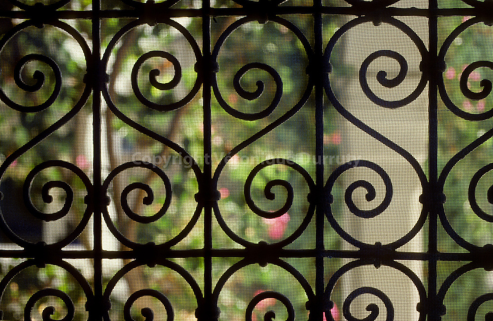 Tunisian South : tradiditional window, Fadhoun Mosque, Jerba // Fenetre traditionnelle tnisienne en fer forge, Mosquee Fadhoun, ile de Djerba, Tunisie