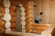 Blockhaus, fabrication de demonstration à l'Espace Gruyère lors du Salon du Bois 2008. © Romano P. Riedo