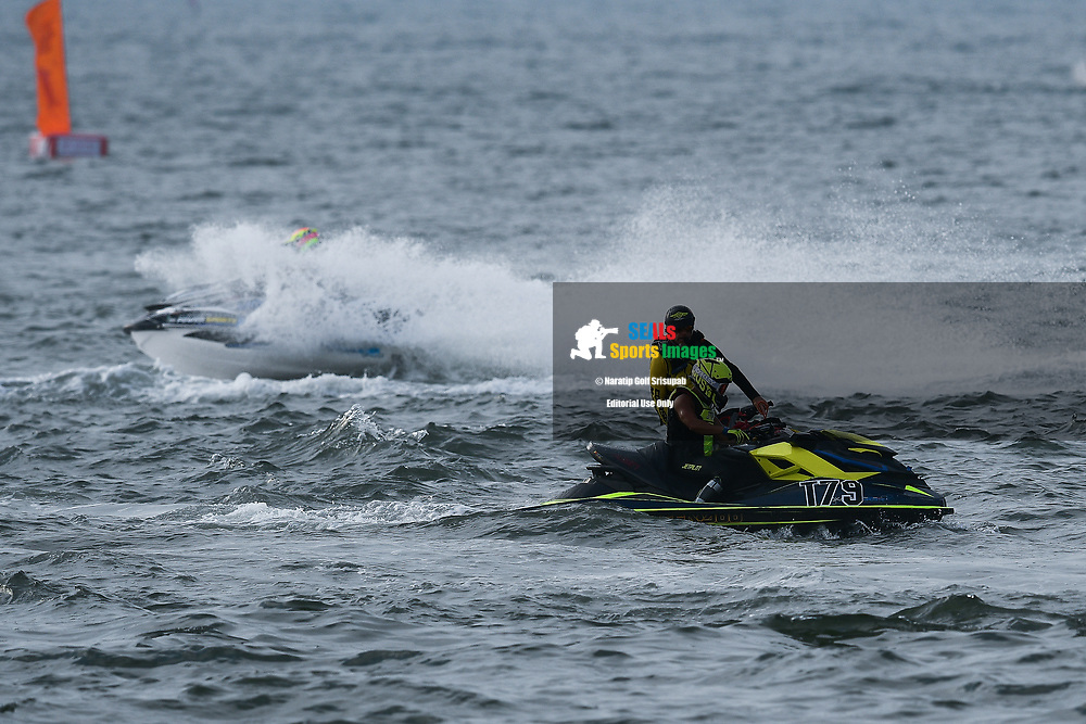 PATTAYA, THAILAND - DECEMBER 09: Permphon Teerapatpanich (T79) of Thailand and Pusan Nakonpathom Jet Ski Team malfunction during the Pro Runabout GP Moto4 at the Thai Airways International Jet Ski World Cup 2018, Jomtien Beach, Pattaya, Thailand on December 09, 2018. <br /> .<br /> .<br /> .<br /> (Photo by: Naratip Golf Srisupab/SEALs Sports Images)<br /> .<br /> Any image use must include a mandatory credit line adjacent to the content which should read: Naratip Golf Srisupab/SEALs Sports Images