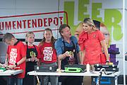 Koningin Maxima woont de ondertekening bij van het lokale samenwerkingsconvenant muziekonderwijs in Drenthe. Het akkoord is een initiatief van de stichting Meer Muziek in de Klas, waar koningin Maxima erevoorzitter van is.<br /> <br /> Queen Maxima attends the signing of the local cooperation agreement for music education in Drenthe. The agreement is an initiative of the More Music in the classroom foundation, of which Queen Maxima is honorary chairman.<br /> <br /> Op de foto / On the Photo: Koningin Maxima / Queen Maxima