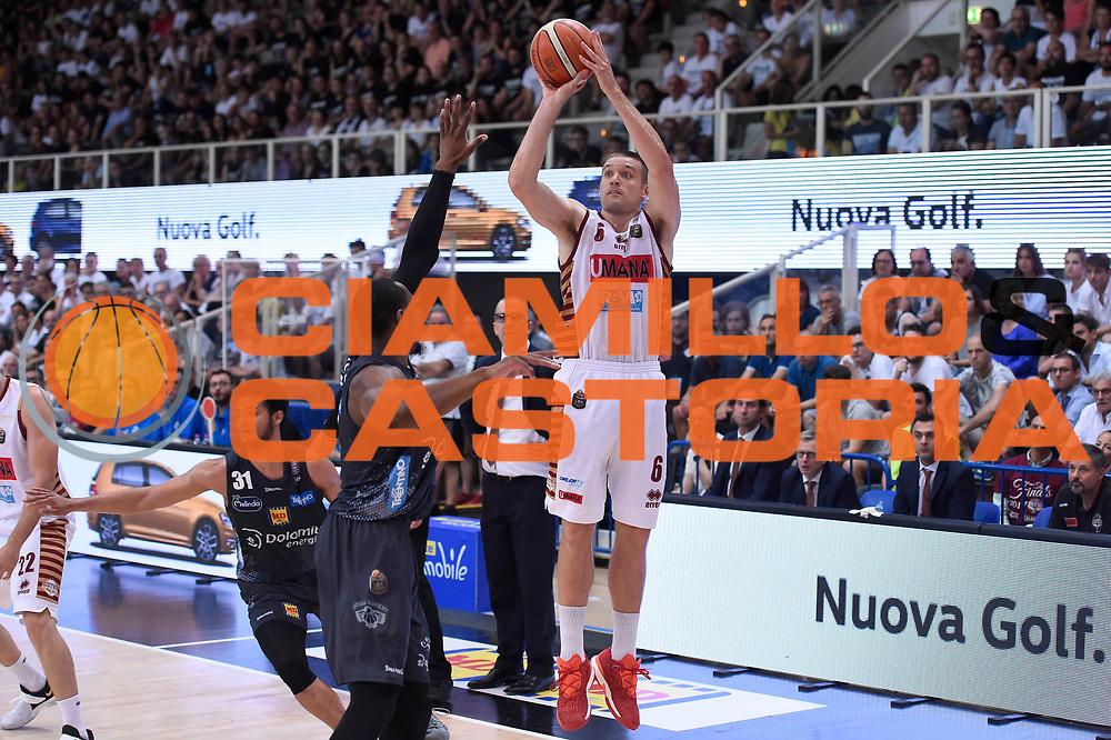 Michael Bramos<br /> Dolomiti Energia Aquila Basket Trento - Umana Reyer Venezia<br /> Lega Basket Serie A 2016/2017<br /> Playoff, finale gara 4<br /> Trento, 16/06/2017<br /> Foto M.Ceretti / Ciamillo-Castoria