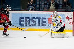 06.03.2016, Ice Rink, Znojmo, CZE, EBEL, HC Orli Znojmo vs Dornbirner Eishockey Club, Viertelfinale, 5. Spiel, im Bild v.l. David Bartos (HC Orli Znojmo) Florian Hardy (Dornbirner) // during the Erste Bank Icehockey League 5th quarterfinal match between HC Orli Znojmo and Dornbirner Eishockey Club at the Ice Rink in Znojmo, Czech Republic on 2016/03/06. EXPA Pictures © 2016, PhotoCredit: EXPA/ Rostislav Pfeffer