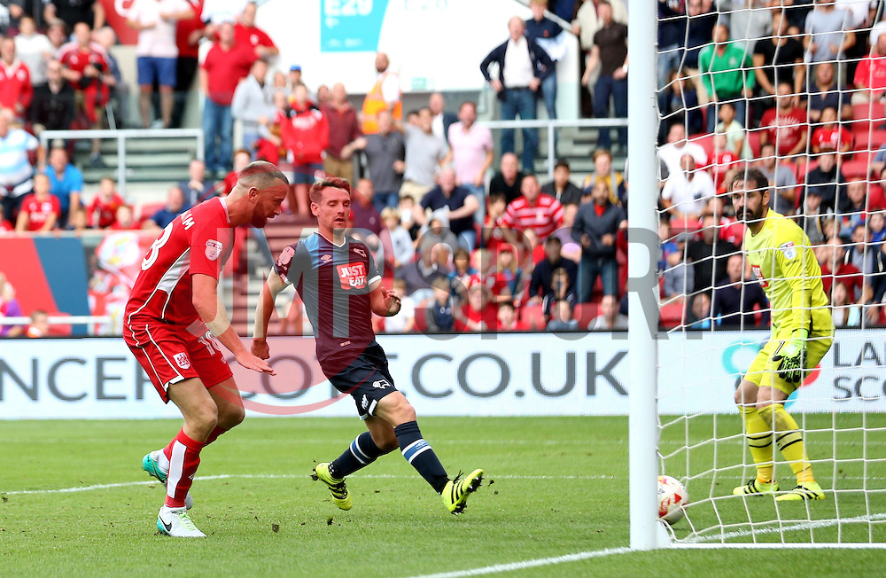 Aaron Wilbraham of Bristol City scores a last minute equaliser against Derby County - Mandatory by-line: Robbie Stephenson/JMP - 17/09/2016 - FOOTBALL - Ashton Gate Stadium - Bristol, England - Bristol City v Derby County - Sky Bet Championship