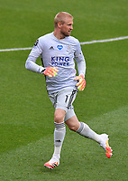 Football - 2019 / 2020 Premier League - Watford vs. Leicester City<br /> <br /> Leicester City's Kasper Schmeichel, at Vicarage Road.<br /> <br /> COLORSPORT/ASHLEY WESTERN