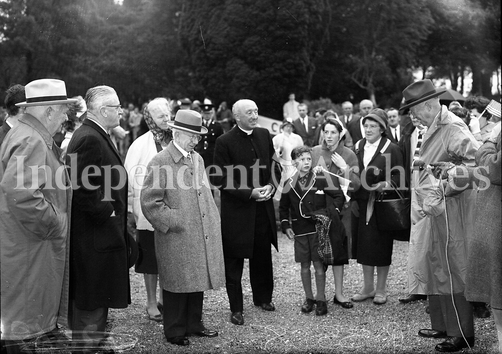 President Eisenhower at Mr S T O'Kelly residence Roundwood Co Wicklow, 23/08/1962. <br /> R3308 <br /> (Part of the Independent Newspapers Ireland/NLI Collection).