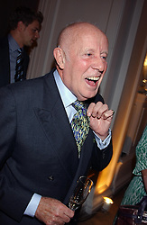 Actor RICHARD WILSON at a evening to celebrate the unveiling of the British Luxury Club at The Orangery, Kensington Palace, London W8 on 16th September 2004.<br /><br />NON EXCLUSIVE - WORLD RIGHTS