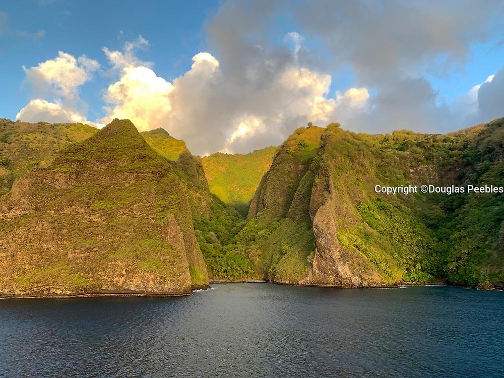 Coastline between Omao and Hanavave, Fatu Hiva, Marquesas, French Polynesia, South Pacific
