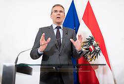 30.04.2019, Bundeskanzleramt, Wien, AUT, Bundesregierung, Pressekonferenz zur Presentation der Steuerreform, im Bild Finanzminister Hartwig Löger (ÖVP) // Austrian Minister for Finance Hartwig Loeger during media conference due to fiscal reform at federal chancellors office in Vienna, Austria on 2019/04/30 EXPA Pictures © 2019, PhotoCredit: EXPA/ Michael Gruber