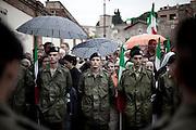 ROMA. VOLONTARI DELL'ESERCITO ITALIANO PRESIDIANO L'ESTERNO DELLA CAMERA ARDENTE DEI MILITARI CADUTI IN AFGHANISTAN