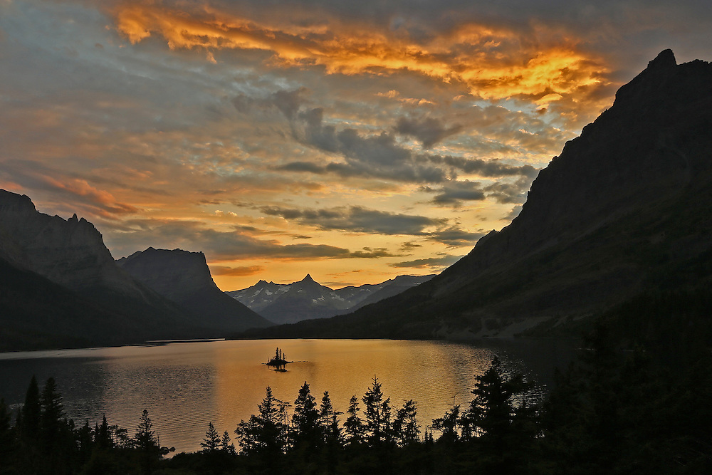 Tiny Wild Goose Island is nestled inside Saint Mary Lake, the second-largest lake in Montana's Glacier National Park and the Park's most photographed location.