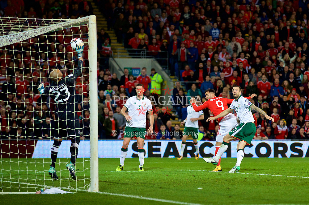 CARDIFF, WALES - Monday, October 9, 2017: Wales' Hal Robson-Kanu sees his header saved by Republic of Ireland's goalkeeper Darren Randolf during the 2018 FIFA World Cup Qualifying Group D match between Wales and Republic of Ireland at the Cardiff City Stadium. (Pic by David Rawcliffe/Propaganda)