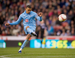 STOKE, ENGLAND - Sunday, October 19, 2008: Tottenham Hotspur's Jermaine Jenas in action against Stoke City during the Premiership match at the Britannia Stadium. (Photo by David Rawcliffe/Propaganda)