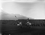 14/09/1960<br /> 09/14/1960<br /> 14 September 1960<br /> Soccer: League of Ireland v English Football League at Dalymount Park Dublin. Irish keeper Darcy makes a save.