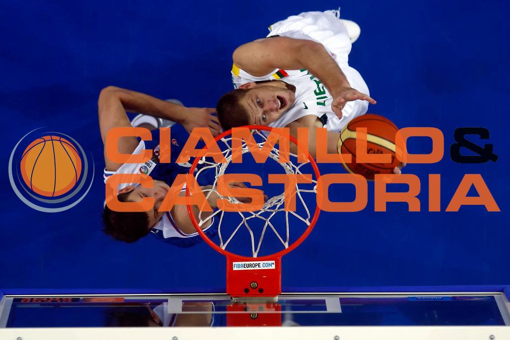 DESCRIZIONE : Lodz Poland Polonia Eurobasket Men 2009 Qualifying Round Lituania Lithuania Serbia<br /> GIOCATORE : Marijonas Petravicius<br /> SQUADRA : Lituania Lithuania<br /> EVENTO : Eurobasket Men 2009<br /> GARA : Lituania Lithuania Serbia<br /> DATA : 16/09/2009 <br /> CATEGORIA :<br /> SPORT : Pallacanestro <br /> AUTORE : Agenzia Ciamillo-Castoria/E.Castoria<br /> Galleria : Eurobasket Men 2009 <br /> Fotonotizia : Lodz Poland Polonia Eurobasket Men 2009 Qualifying Round Lituania Lithuania Serbia<br /> Predefinita :