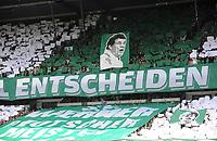 Fotball<br /> Tyskland<br /> 04.05.2013<br /> Foto: Witters/Digitalsport<br /> NORWAY ONLY<br /> <br /> Werder Fans mit Transparent von Otto Rehhagel<br /> Bundesliga, SV Werder Bremen - TSG 1899 Hoffenheim
