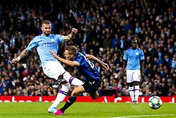 Kyle Walker of Manchester City shoots at goal - Mandatory by-line: Robbie Stephenson/JMP - 22/10/2019 - FOOTBALL - Etihad Stadium - Manchester, England - Manchester City v Atalanta - UEFA Champions League Group Stage