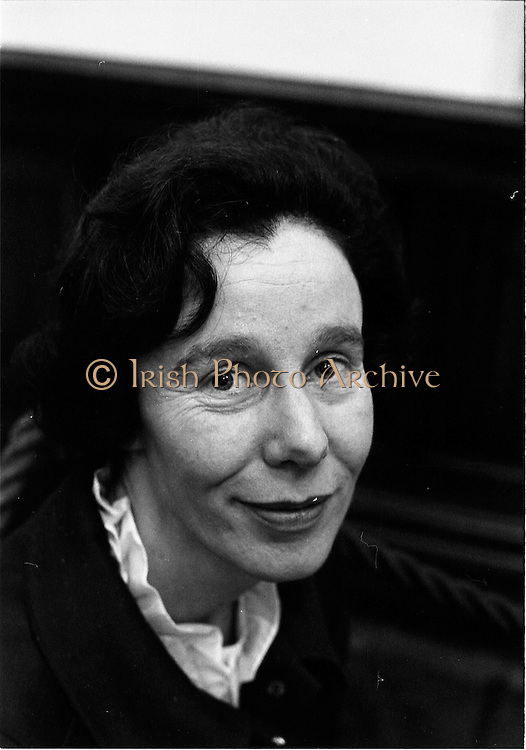 07/01/1969.01/07/1969.07 January 1969.Contemporary Hangings Exhibition at the Municiapal Art Gallery, Dublin.  Miss Cecil O'Donoghue.