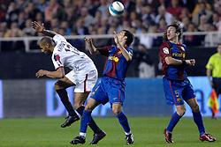 03-03-2007 VOETBAL: SEVILLA FC - BARCELONA: SEVILLA  <br /> Sevilla wint de topper met Barcelona met 2-1 / Kanoute en Zambrotta<br /> ©2006-WWW.FOTOHOOGENDOORN.NL