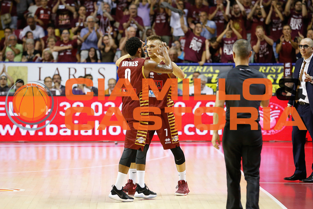 Marquez Haynes, Stefano Tonut<br /> Umana Reyer Venezia - Dolomiti Energia Aquila Basket Trento<br /> Lega Basket Serie A 2016/17 Finali Gara 02<br /> Venezia, 12/06/2017<br /> Foto Ciamillo-Castoria / M. Brondi
