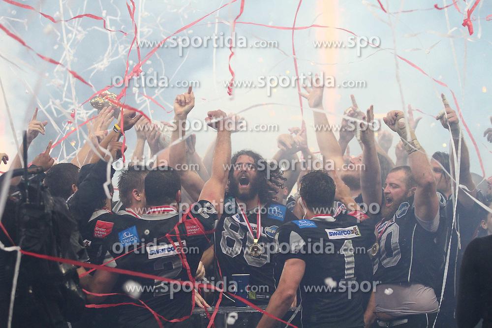 23.06.2011, Ernst Happel Stadion, Wien, AUT, Austrianbowl XXVII, Swarco Raiders Tirol vs Raiffeisen Vikings, im Bild Jubel der Raiders nach dem Sieg in der Austrianbowl,  EXPA Pictures © 2011, PhotoCredit: EXPA/ T. Haumer