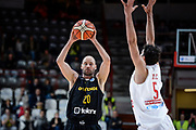 DESCRIZIONE : Varese FIBA Eurocup 2015-16 Openjobmetis Varese Telenet Ostevia Ostende<br /> GIOCATORE : Dusan Djordjevic<br /> CATEGORIA : Passaggio<br /> SQUADRA : Telenet Ostevia Ostende<br /> EVENTO : FIBA Eurocup 2015-16<br /> GARA : Openjobmetis Varese - Telenet Ostevia Ostende<br /> DATA : 28/10/2015<br /> SPORT : Pallacanestro<br /> AUTORE : Agenzia Ciamillo-Castoria/M.Ozbot<br /> Galleria : FIBA Eurocup 2015-16 <br /> Fotonotizia: Varese FIBA Eurocup 2015-16 Openjobmetis Varese - Telenet Ostevia Ostende