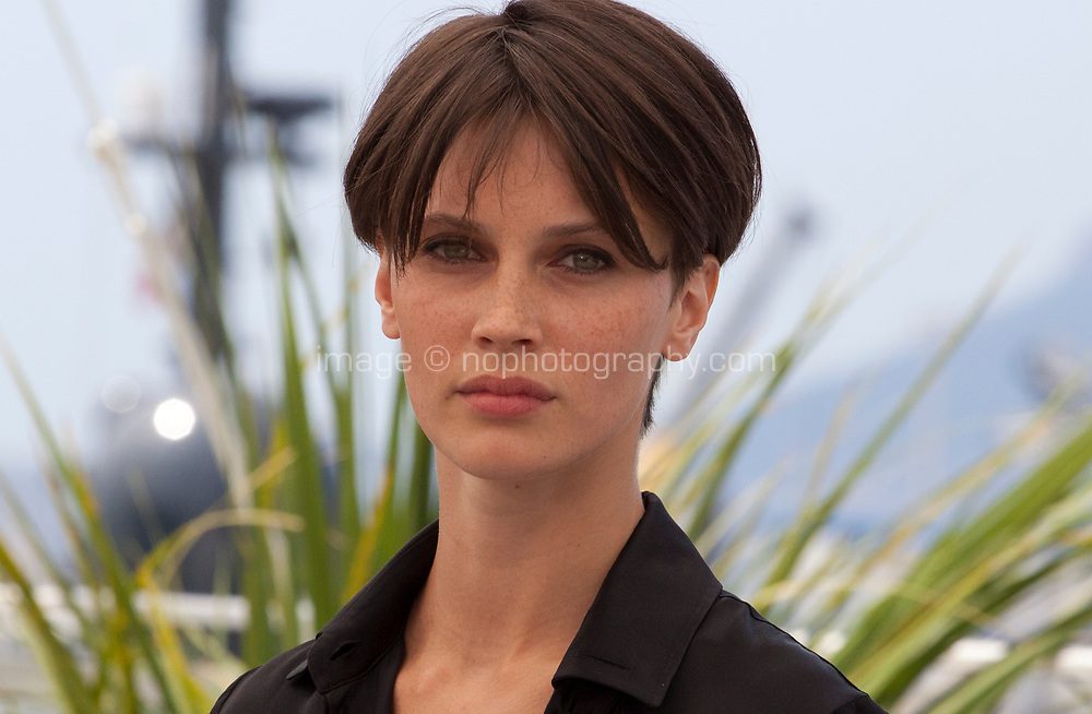 Marine Vacth at the L'amant Double film photo call at the 70th Cannes Film Festival Friday 26th May 2017, Cannes, France. Photo credit: Doreen Kennedy