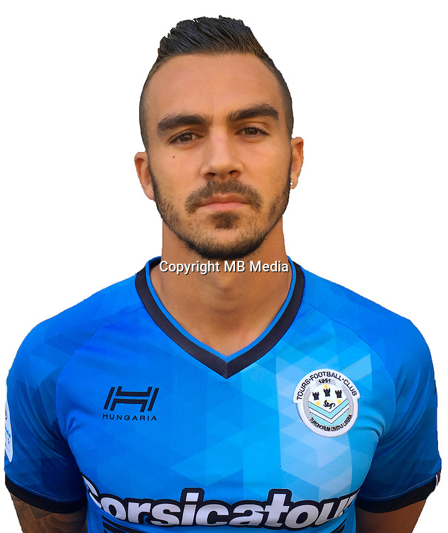 Sacha Clemence during photocall of Tours FC for new season of Ligue 2 on October 9th 2016<br /> Photo : Fct / Icon Sport
