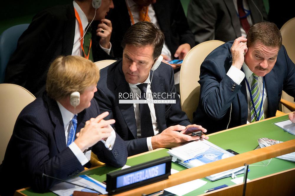 new york  Koning Willem-Alexander neemt in New York deel aan de grootste bijeenkomst van staatshoofden en regeringsleiders die de Verenigde Naties in zeventig jaar hebben gekend. Nederland kent een grote afvaardiging. Behalve het koningspaar zijn ook minister-president Mark Rutte, de ministers Bert Koenders (Buitenlandse Zaken), Lilianne Ploumen (Buitenlandse Handel) en staatssecretaris Wilma Mansveld (Milieu) in New York, naast onder meer premier Mike Eman van Aruba.