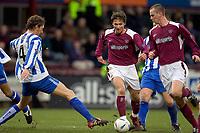 Fotball<br /> Skottland 2004/2005<br /> Foto: SBI/Digitalsport<br /> NORWAY ONLY<br /> <br /> Hearts v Kilmarnock, Scottish Cup fourth round, Tynecastle Park, Edinburgh. 05/02/2005<br /> <br /> David Lilley can't stop Saulius Mikoliunas as he runs through with Stephen Simmons