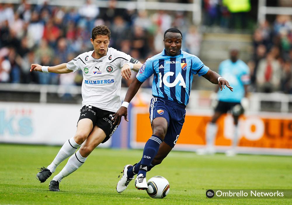 STOCKHOLM 100912<br /> ALLSVENSKAN FOTBOLL DJURG&Aring;RDEN VS &Ouml;REBRO SK.<br /> I bild: Paulinho mot Prince Ipke Ekong.