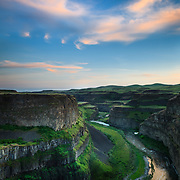 Palouse Falls and Palouse River with canyon, Palouse Falls State Park, Washington, USA, North America.