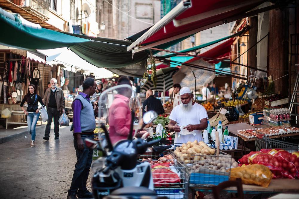 Palermo: il mercato di Ballarò.