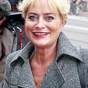 NLD/Amsterdam/20110722 - Afscheidsdienst voor John Kraaijkamp, Vivian Boelen