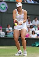 Wimbledon Championships 2012 AELTC,London,.ITF Grand Slam Tennis Tournament, Damen Semi Finale, Angelique Kerber (GER), Aktion,Einzelbild,Ganzkoerper,Hochformat,.