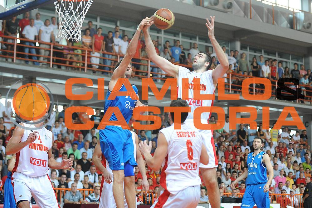 DESCRIZIONE : Bijelo Polje Qualificazioni Europei 2011 Montenegro Italia<br /> GIOCATORE : Slavko Vranes<br /> SQUADRA : Montenegro<br /> EVENTO : Qualificazioni Europei 2011<br /> GARA : Montenegro Italia<br /> DATA : 11/08/2010 <br /> CATEGORIA : rimbalzo<br /> SPORT : Pallacanestro <br /> AUTORE : Agenzia Ciamillo-Castoria/GiulioCiamillo<br /> Galleria : Fip Nazionali 2010 <br /> Fotonotizia : Bijelo Polje Qualificazioni Europei 2011 Montenegro Italia<br /> Predefinita :