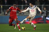 FOOTBALL - FRENCH CHAMPIONSHIP 2010/2011 - L1 - VALENCIENNES FC v GIRONDINS DE BORDEAUX - 19/03/2011 - PHOTO ERIC BRETAGNON / DPPI - FAHID BEN  KHALFALLAH (BOR) / CARLOS (VA)