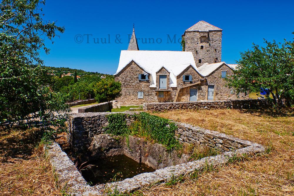 Croatie, Dalmatie, côte dalmate, île de Brac, Skrip, village  ancien // Croatia, Dalmatia, Brac island, Skrip, ancient village