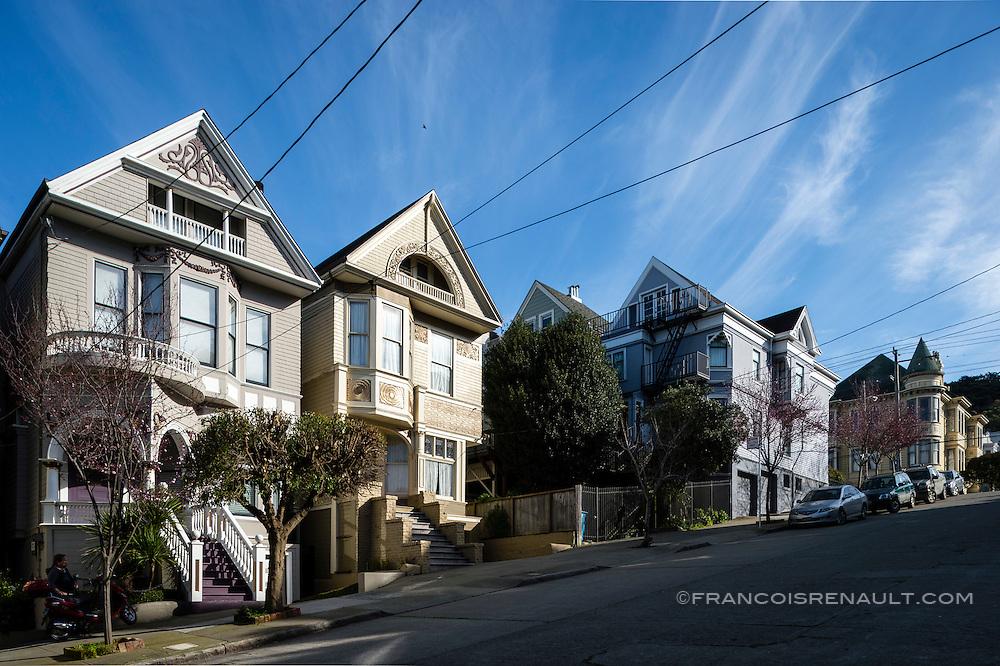 Lyon Street, San Francisco. La maison qui appartint à Janis Joplin jusqu'à sa mort en 1970.(la première sur la gauche)<br /> <br /> Lyon Street, San Francisco. The house that belonged to Janis Joplin until his death in 1970. (First on the left)