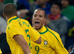20.06.2010, Soccer City Stadium, Johannesburg, RSA, FIFA WM 2010, Brazil (BRA) vs Ivory Coast (CIV), im Bild Luis Fabiano of Brazil celebrates after he scored second time. EXPA Pictures © 2010, PhotoCredit: EXPA/ Sportida/ Vid Ponikvar