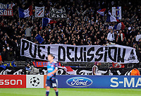 FOOTBALL - CHAMPIONS LEAGUE 2010/2011 - GROUP STAGE - GROUP B - OLYMPIQUE LYONNAIS v SL BENFICA - 20/10/2010 - PHOTO JEAN MARIE HERVIO / DPPI - FANS LYON WITH TIFO AGAINST CLAUDE PUEL (LYON COACH)