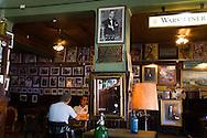 Argentina. Buenos Aires. la Perla cafe, La Bocca area . the Historical tango area ,      /  cafe restaurant tango - la Perla - quartier de la Bocca  Buenos Aires - Argentine  R005