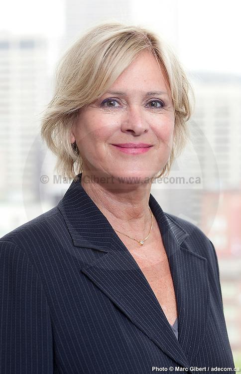 Portrait de Céline Giroux, directrice générale de l'OPHQ - Office des personnes handicapées du Québec.ectrice générale à  OPHQ / Montreal / Canada / 2012-05-09, © Photo Marc Gibert / adecom.ca