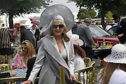 Liz Brewer, Royal Ascot Race Meeting. Wednesday 21 June 2006. ONE TIME USE ONLY - DO NOT ARCHIVE  © Copyright Photograph by Dafydd Jones 66 Stockwell Park Rd. London SW9 0DA Tel 020 7733 0108 www.dafjones.com