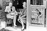 Paris 1996: signore anziane in un caff&egrave;, Boulogne <br /> &copy;Andrea Sabbadini