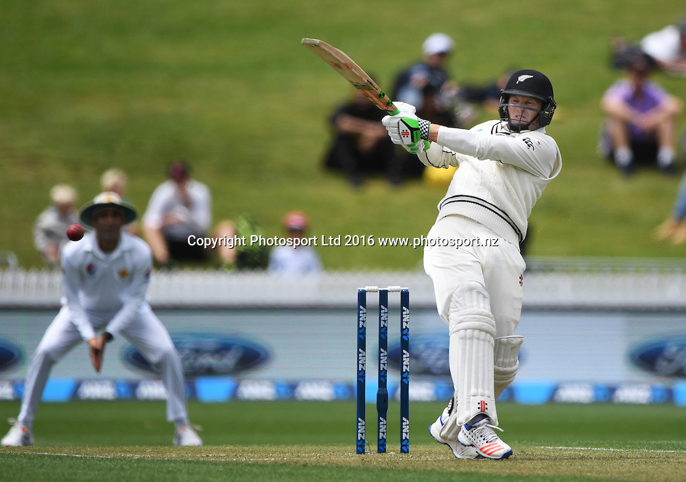 Henry Nicholls batting.<br /> New Zealand Black Caps v Pakistan. Day 2, 2nd test match. Saturday 26 November 2016. Seddon Park, Hamilton, New Zealand. &copy; Copyright photo: Andrew Cornaga / www.photosport.nz