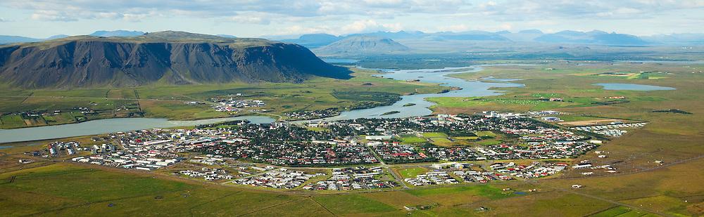 Selfoss séð til norðvesturs, Ölfusá, Ingólfsfjall, Árborg / Selfoss - Arborg viewing northwest, river Olfusa and mount Ingolfsfjall, Arborg.